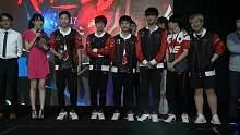 恭喜LPL我们是冠军 2017英雄联盟洲际系列赛 亚洲对抗赛颁奖仪式