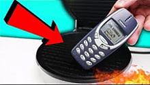 【实验】华夫饼机VS诺基亚3310,究竟谁会胜出?