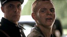 男孩被误会偷了校长的钱,后来他做了一件事,把整个学校都毁了