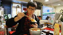 29元在成都点了一盆冒菜,吃了30分钟,小伙表示:吃不了兜着走