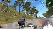 骚皮皮:QBZ压枪把开摩托救援的敌人扫下