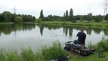 渔乐生活家钓鱼:环境好装备到位,鱼能钓出酷酷的感觉!