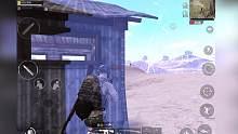 刺激战场:超级空投有毒压住3人,高玩机智营救结果却哭了