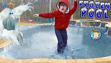 泳池结冰啦!出现了一个大冰怪,快跑!