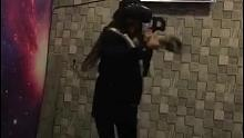 不要轻易玩VR游戏,不然容易被吓成深井病哈哈哈~